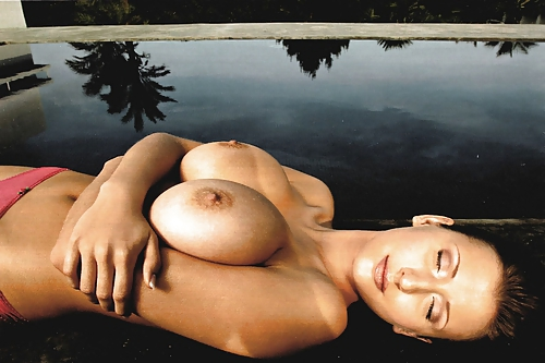 Amanda cerny sexy nude