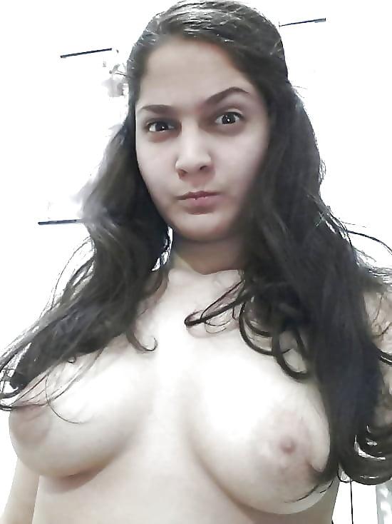 tamil-bhuvaneshwari-irani-naked-girl-picture-caught