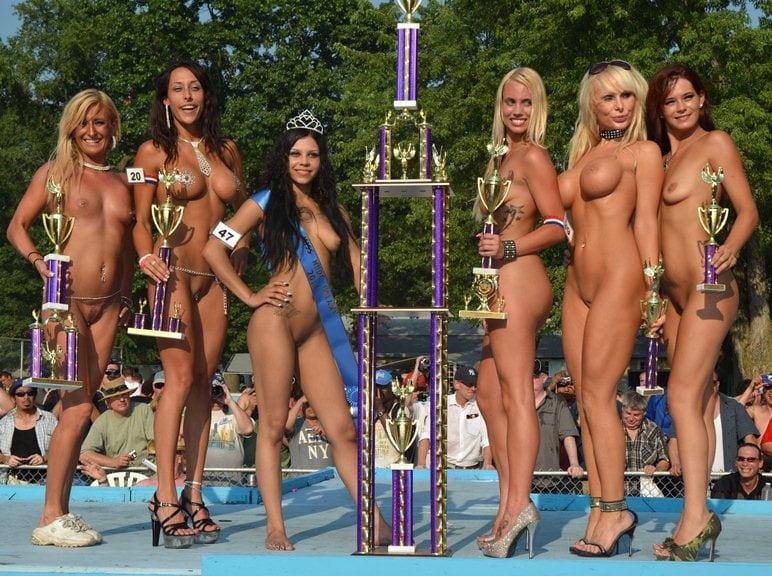 Curve Bikini High Quality Porn Photo