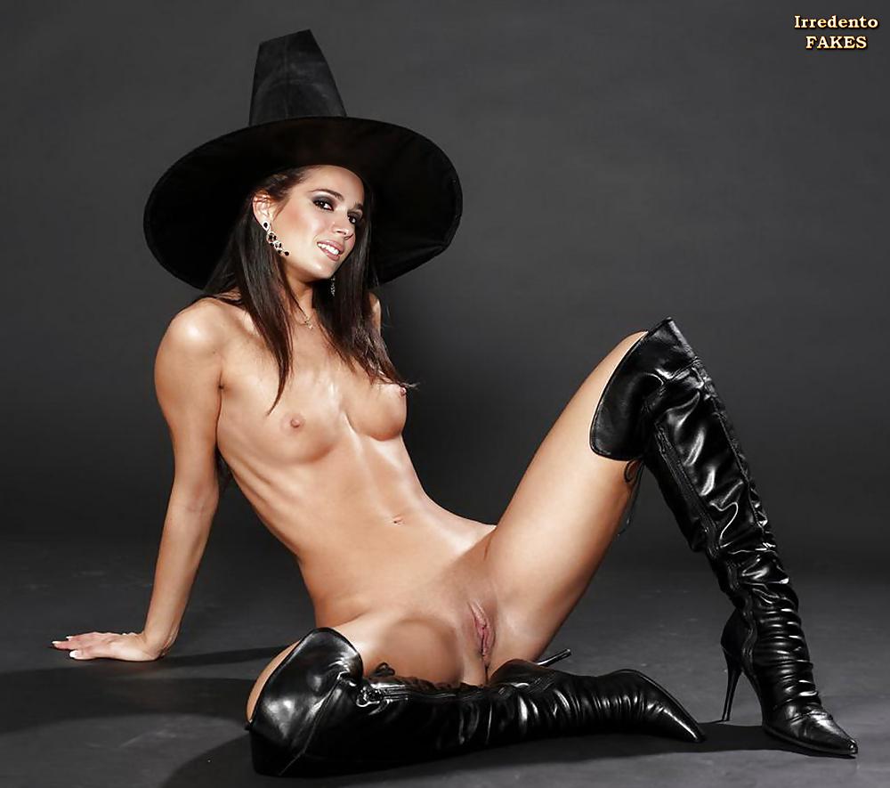 Female stripper naked pussy