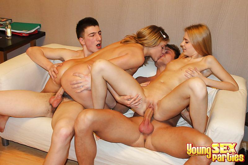 Секс видео молодежь групповуха