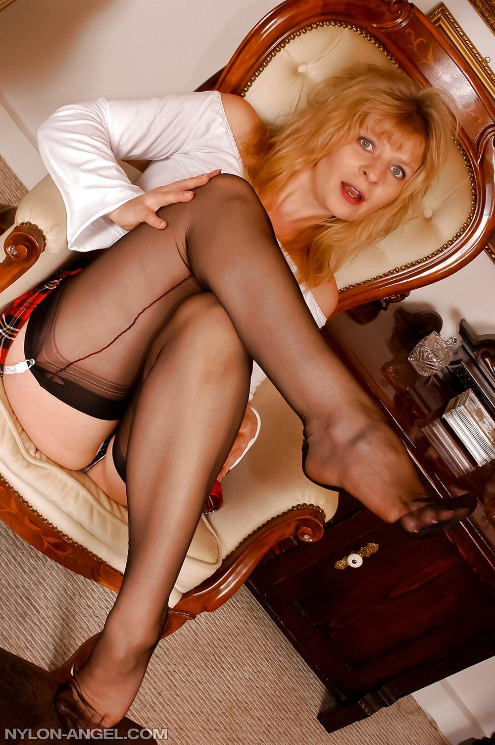 XXX Sex Photos Pakistni nude girls piss