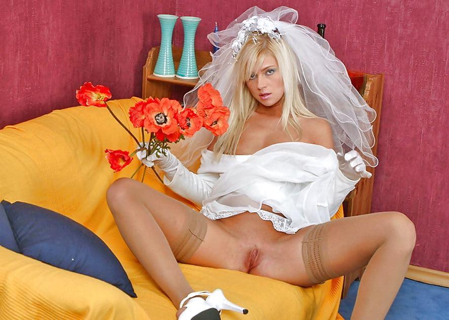 drug-druga-fotografii-zhenshini-nevesti-v-kolgotkah-pornuha-assistentki-magov-erotika