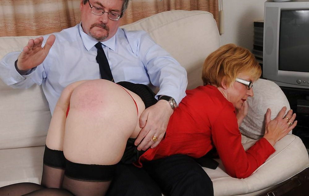 Spanking mature woman spanked