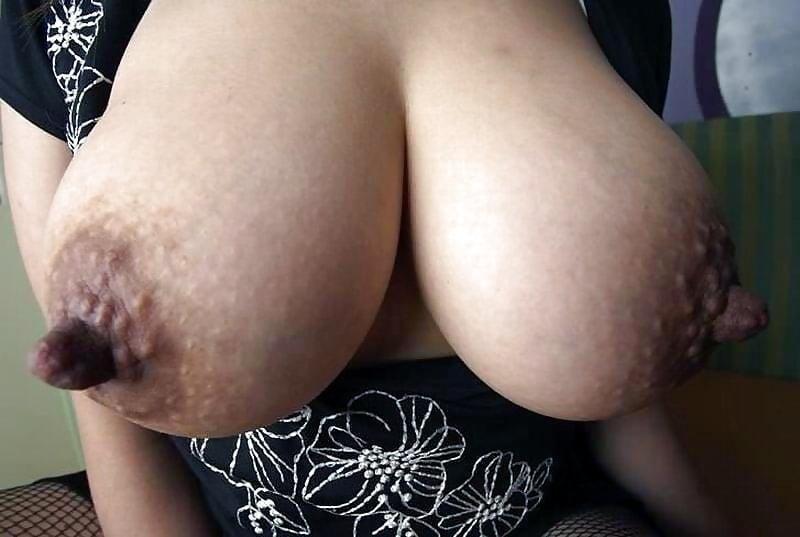 Нравится когда черные ореолы порно фото кончил анал