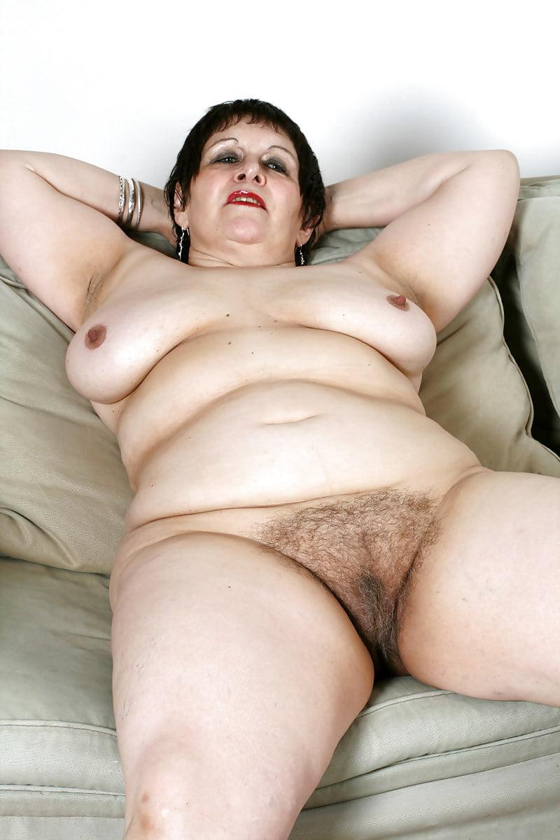 Порно стареньких полненьких и волосатых, трахнул худую жену фото