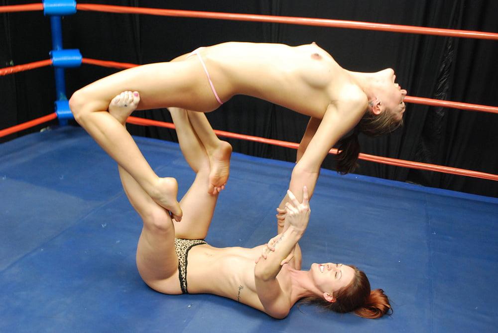 Swimwear Nude Pic Woman Wrestling Wwf Gif