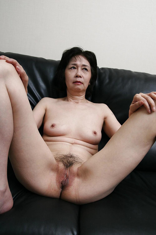 mature chinese pussy