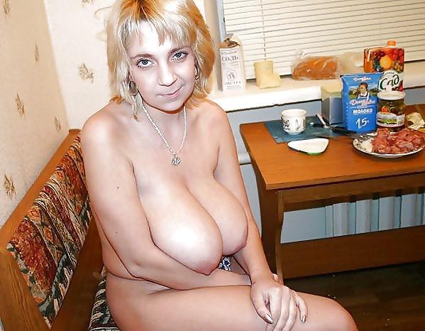 Грудастая голая частное фото жена, пизда фото с огромными самотыками