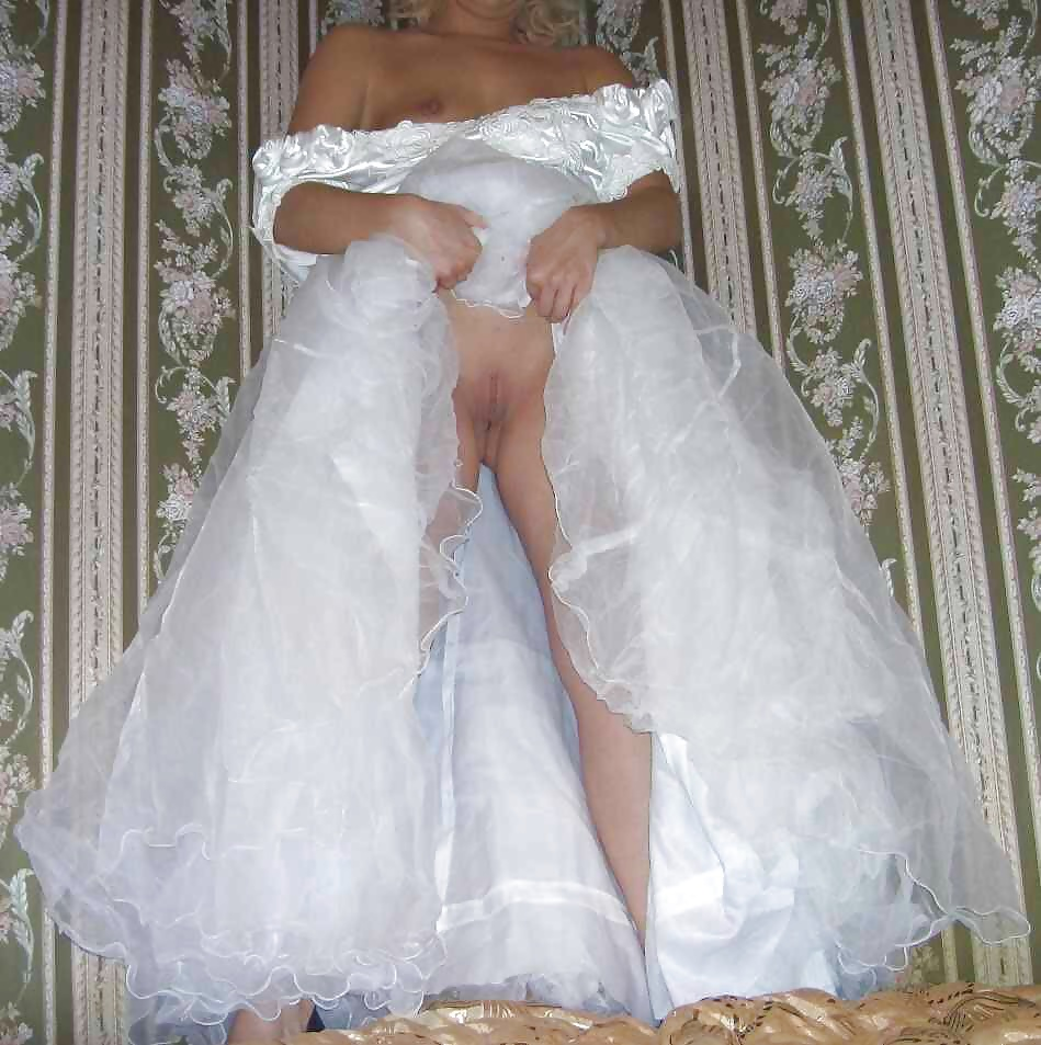 Скрытая камера невесты без трусиков, девушки в пеньюарах в картинках