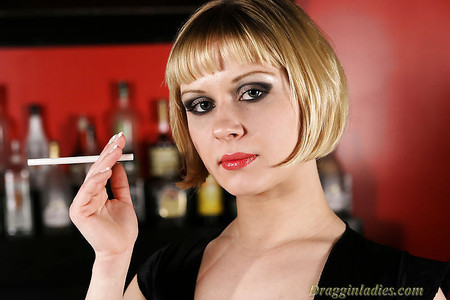 Aaralyn barra smoking fetish at dragginladiescom - 3 9