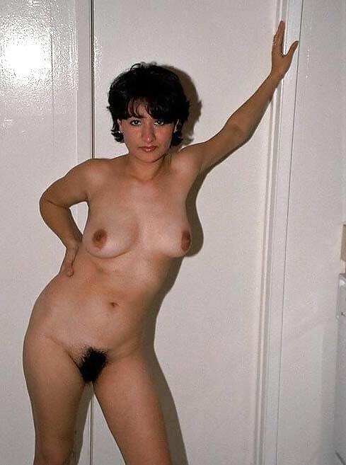 Naked milf amatuer