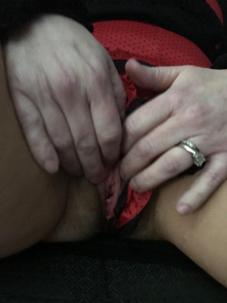 Fingering my Wet Hairy Pussy American Milf 23