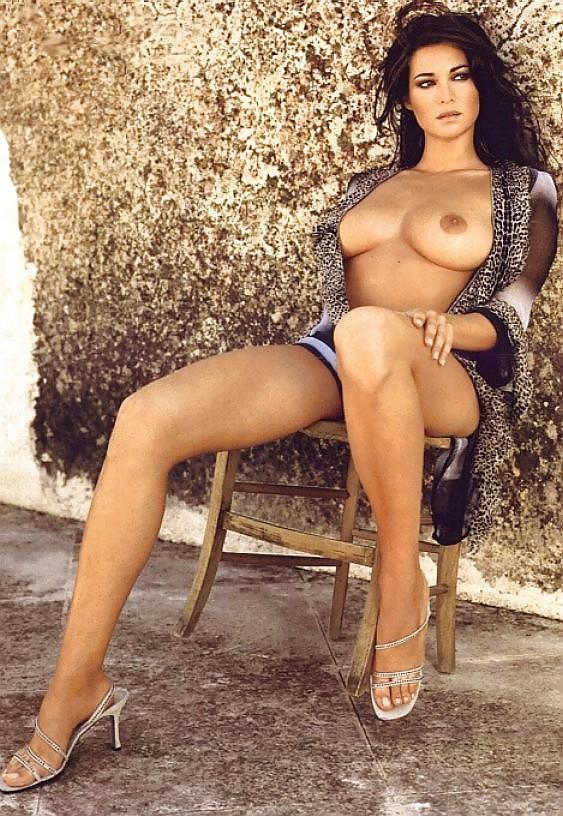 Manuela Arcuri 42 Pics Xhamstercom