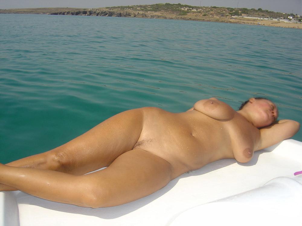 фото голых русских жен на курорте секс альбоме