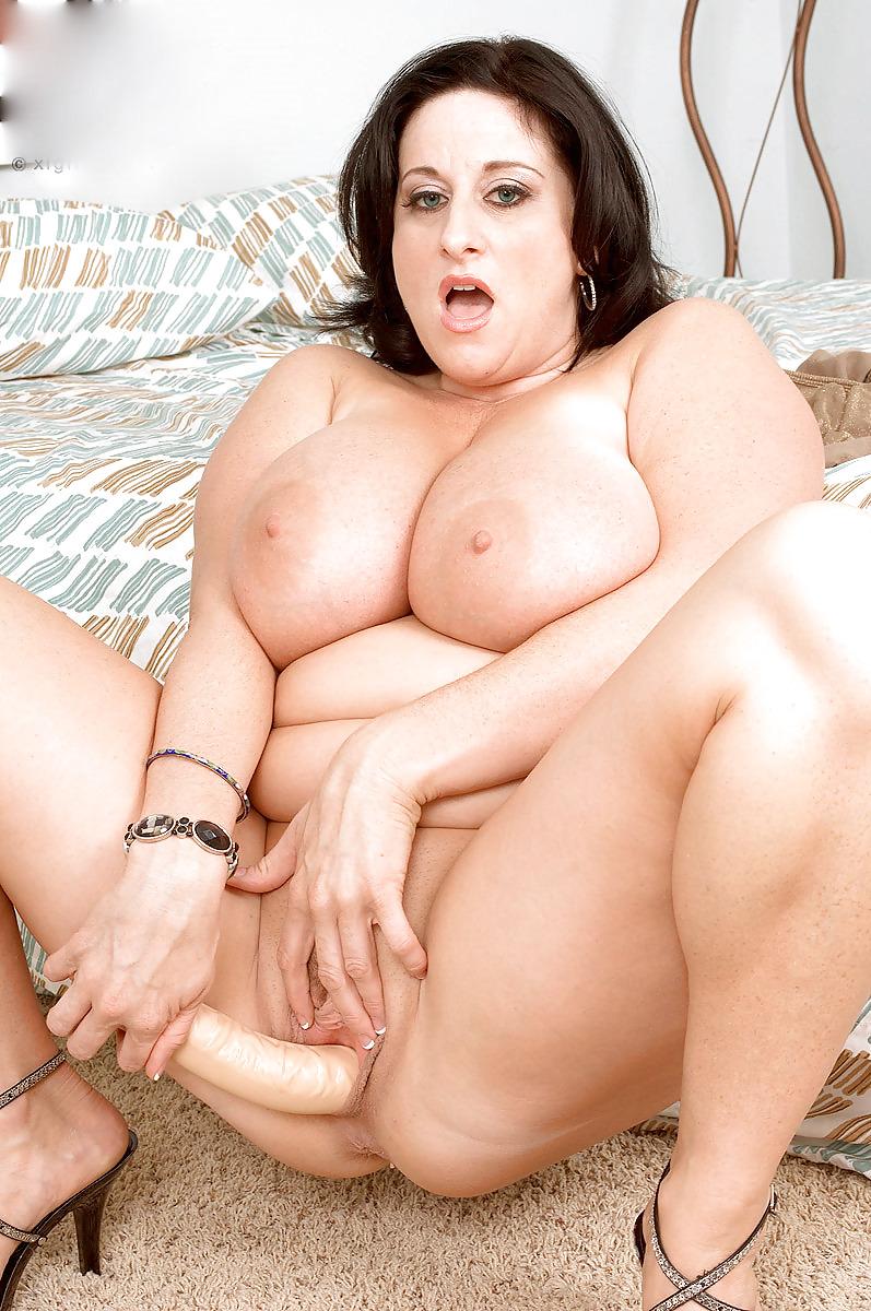 Толстозадая обалденная брюнетка порно — pic 8