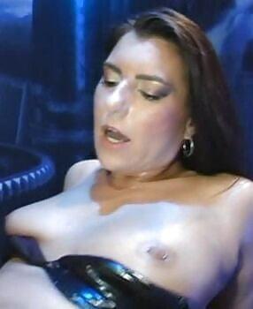 Lucia nackt donna Donna Lucia