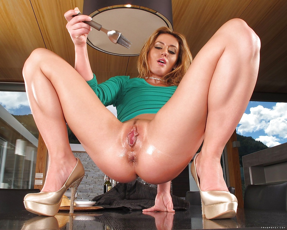 her-first-shows-whole-pussy-sex