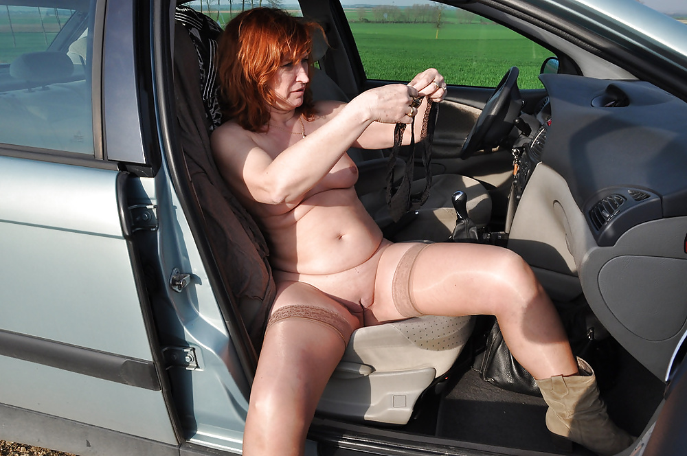 nude-mature-jeep