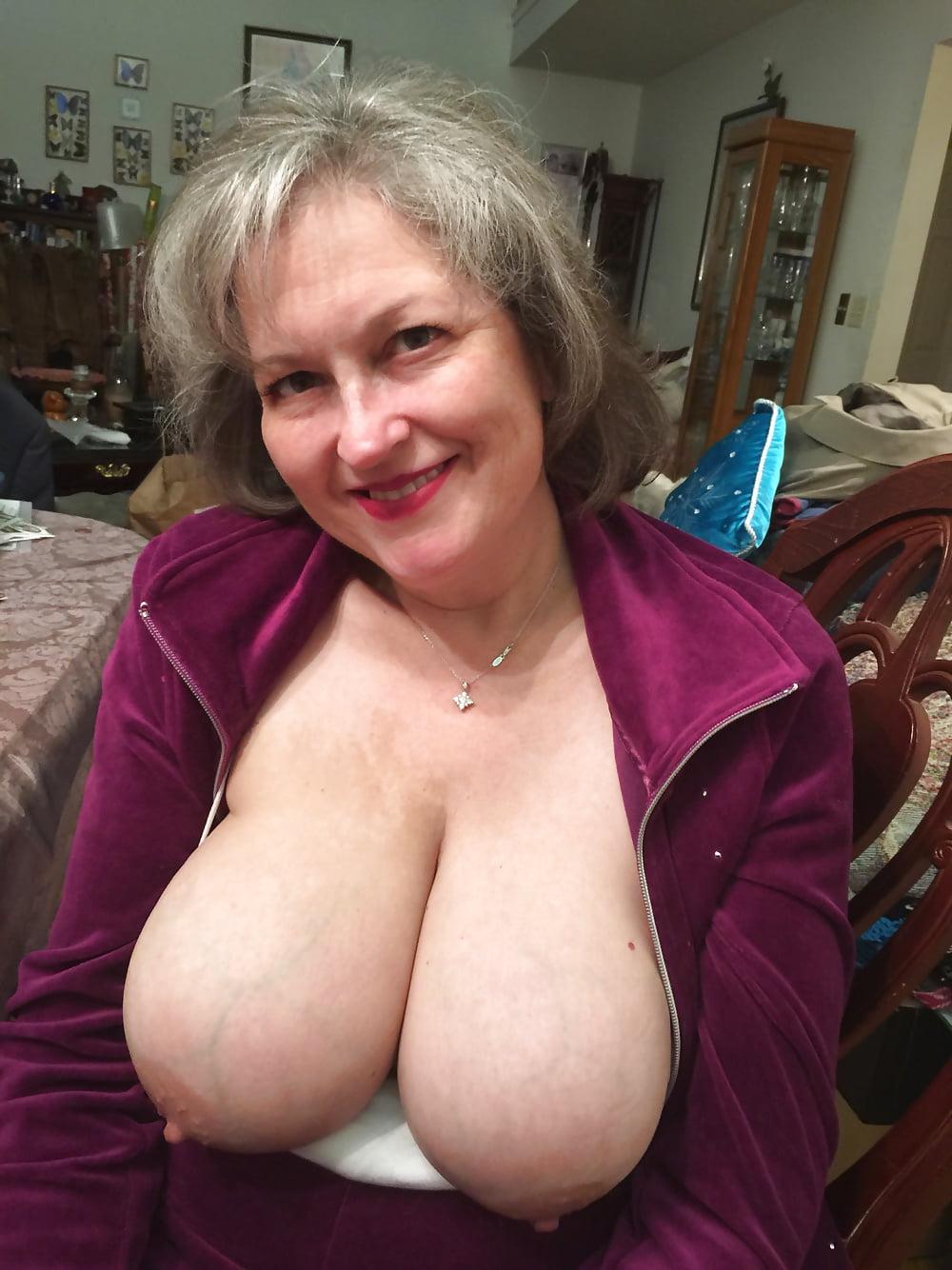 Big Jiggly Titties Mature