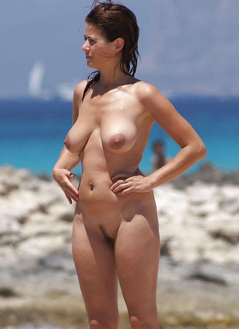Modern Nudists European Beaches 2015-16 Pt1 - 50 Pics -4047