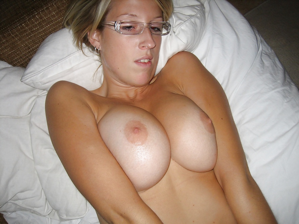Breast milk pics and other amateur porn content on elm