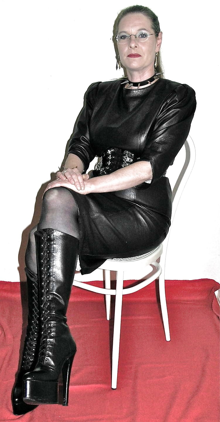 Gorgeous Mature Ladies In Leather