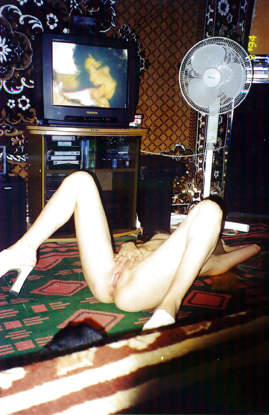 Сканы пленочных эротических фото несет
