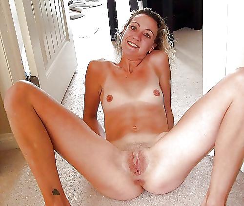 Sexy girls spreading-8801