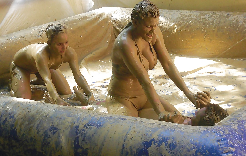 naked-mudwrestling-videos-nude-ladies-in-the-bath-tub