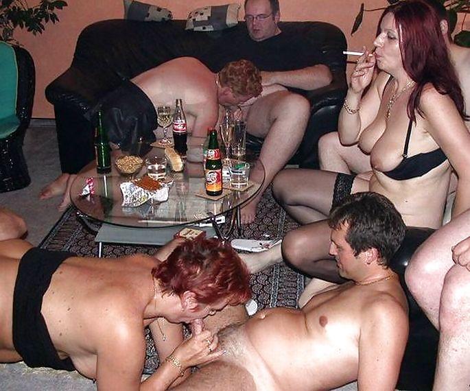 Фотоотчет с тематической вечеринки русских свингеров