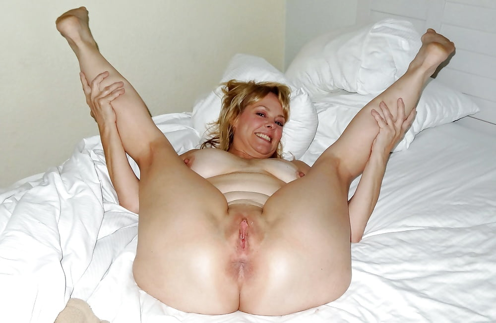 naked-wife-legs-wide-open-ohio-university-topless