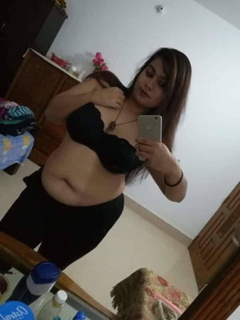 Chubby nude selfie