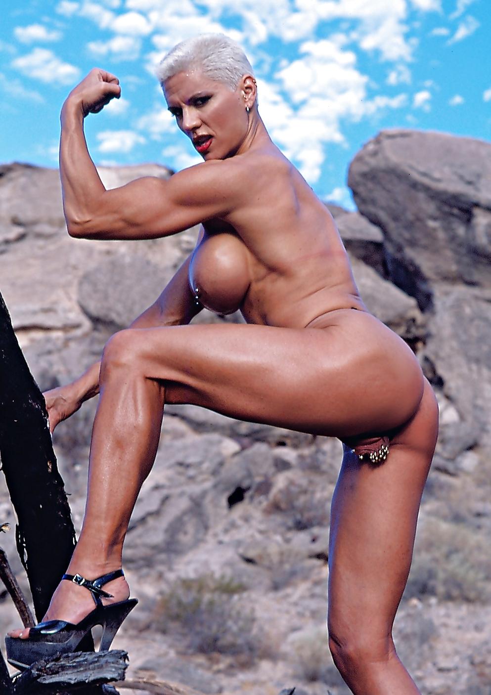 обычно фотографируются голые бодибилдерши украины матки
