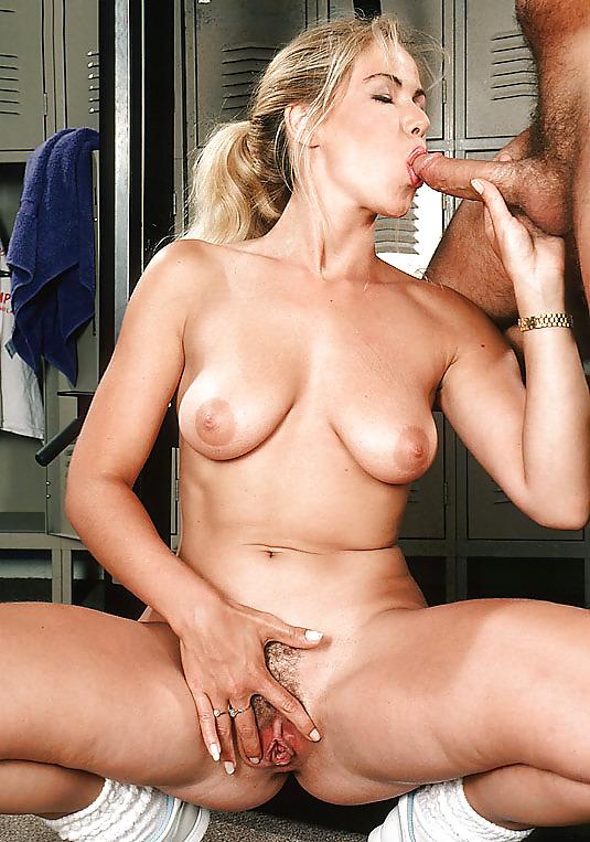 British blonde naked gym workout