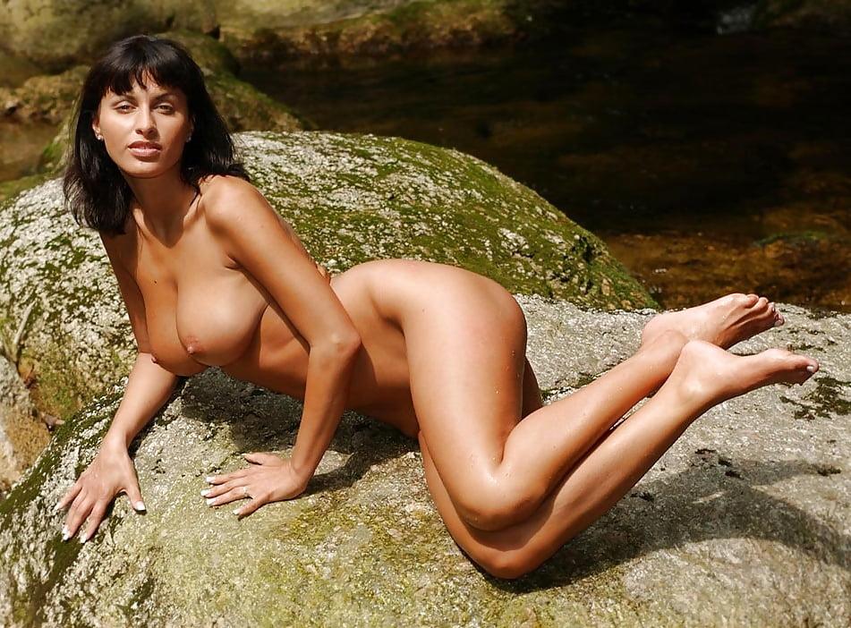 Nicole Scherzinger Sexy Pictures