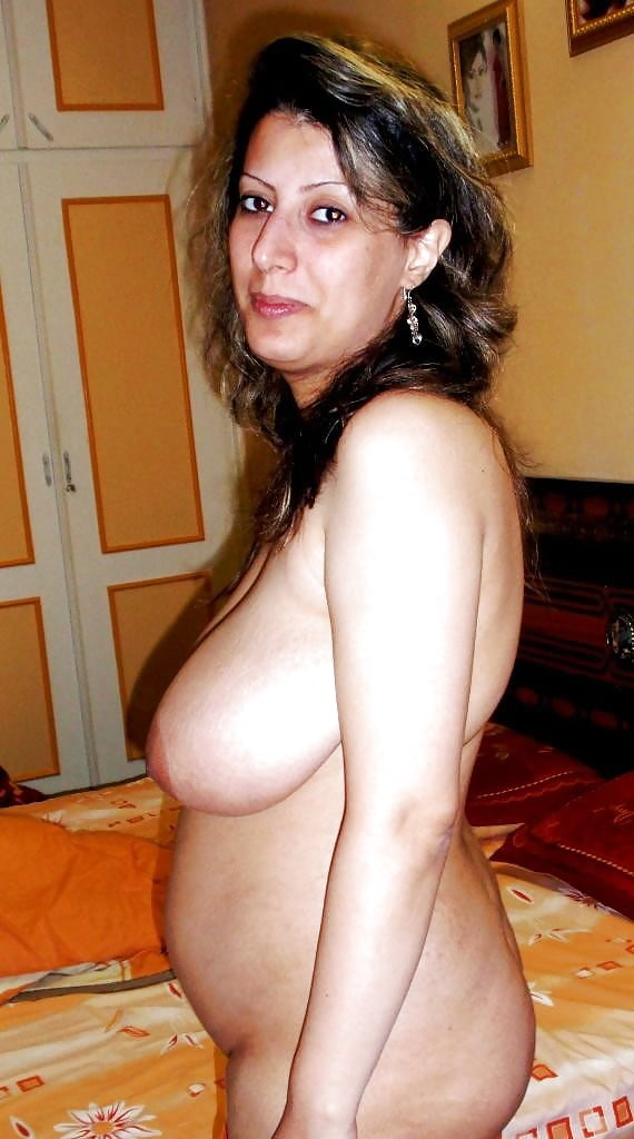 Iranian nude moms — photo 7