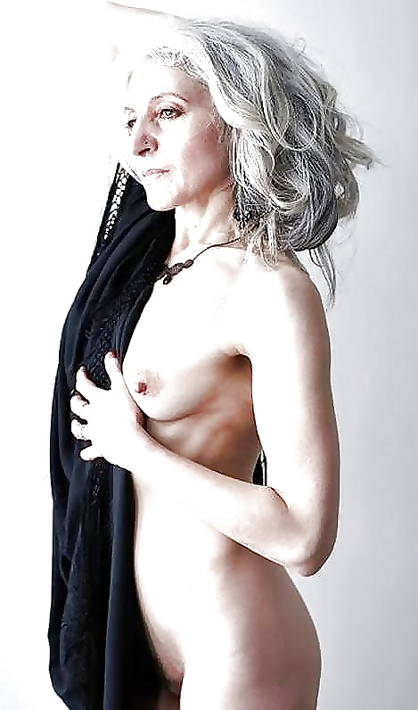 silver-haired-amateur-pictures