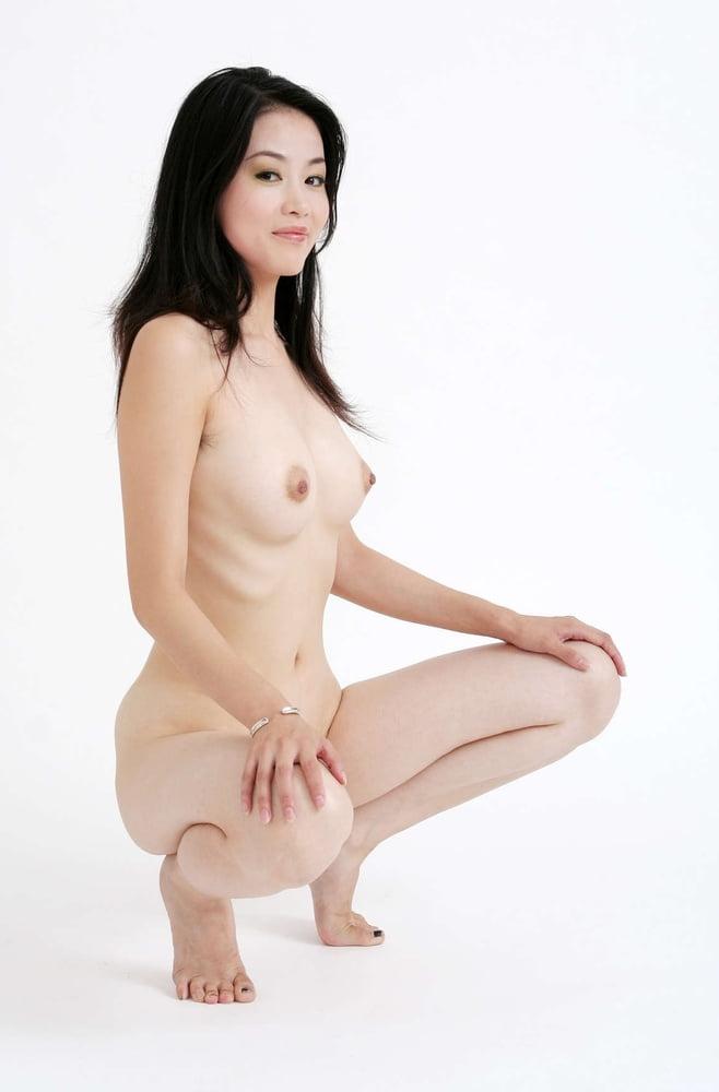 Chinese girls nude pics