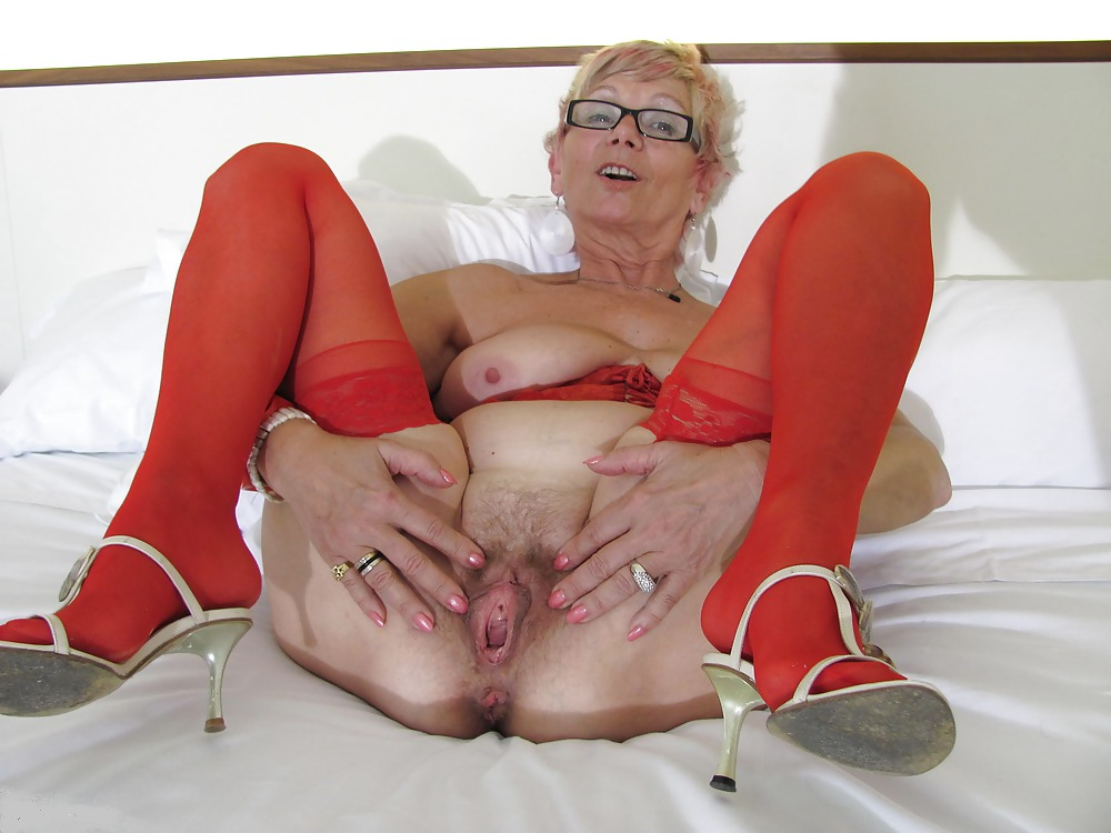 Mature hairy granny porn over the car