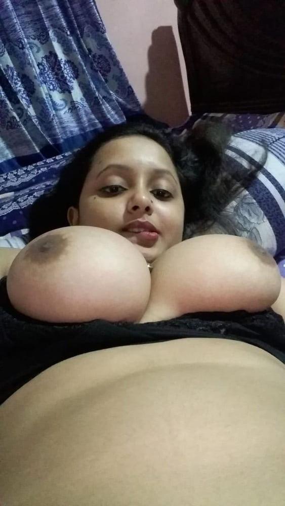 Nusrat jahan nude photo
