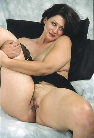 Old skinny naked women