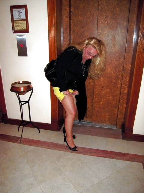Sexy milf high heels-3258