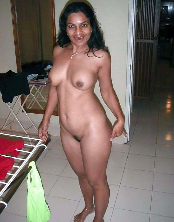 Desi Housewife Nude Pics
