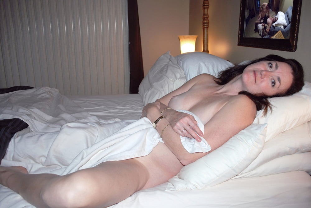 She give naked bedroom cell pics york swinging