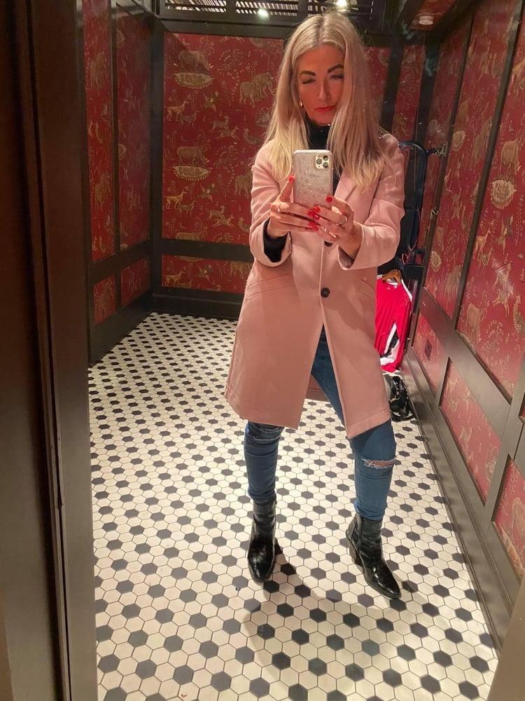 Hot blonde milf galleries