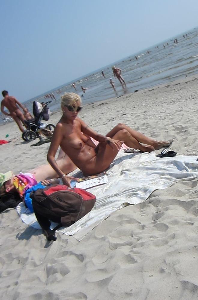 Blonde naked hot