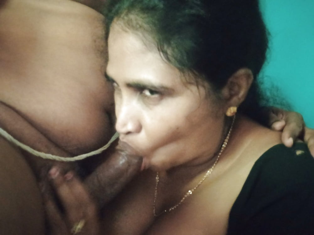 Newly wed indian girl gives blowjob to her husband