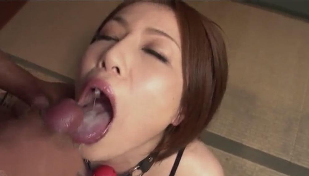 Women licking sperm
