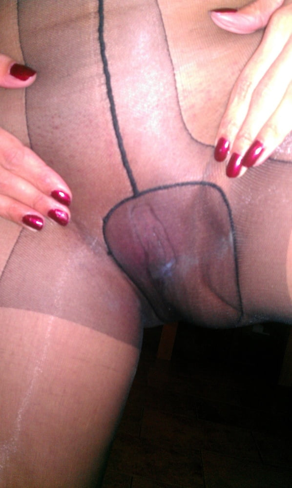 Pussy in wet pantyhose guys